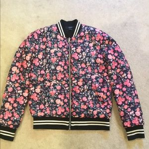 Floral jacket, like new. F21 women's size small.